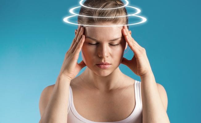 Кружится голова при ходьбе и чувство опьянения: причины и лечение
