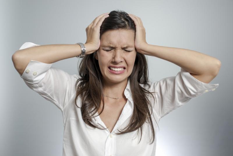 Голова болит каждый день: почему снова болит голова