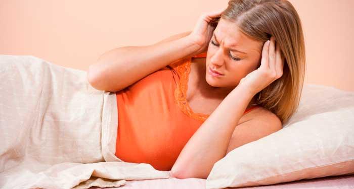 Кружится голова при повороте головы лежа: как устранить симптом