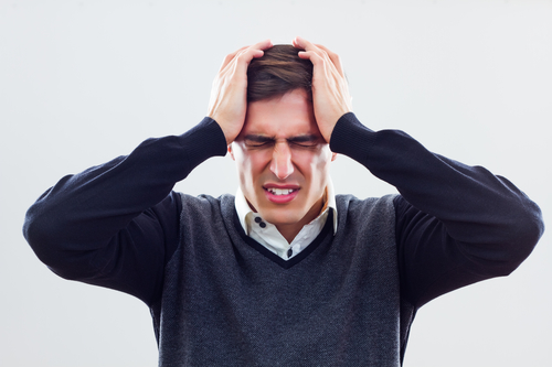 Болит голова как будто сдавливает