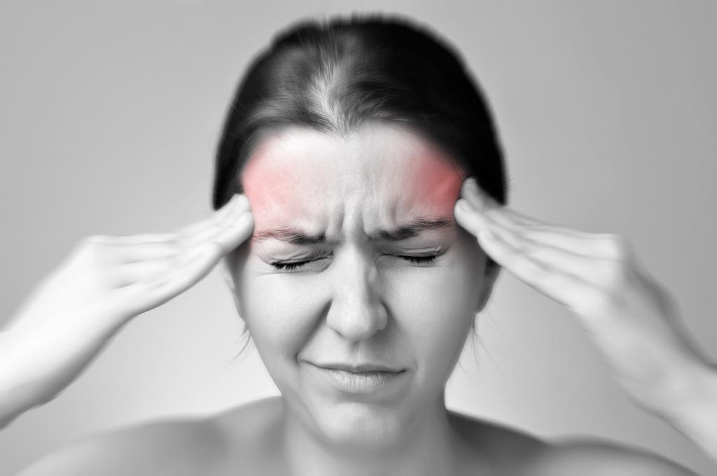 Как снять приступ мигрени в домашних условиях