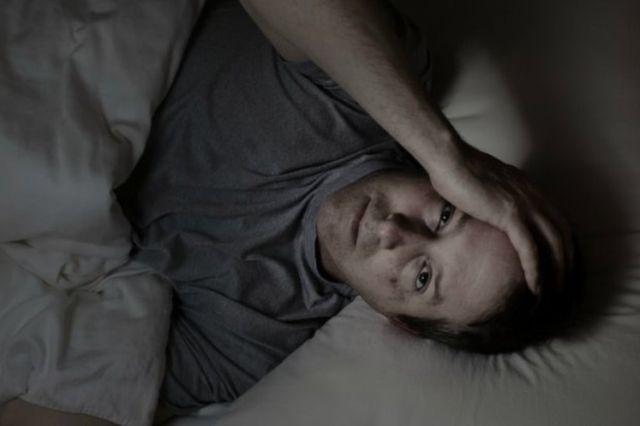ночью болит голова у мужчины