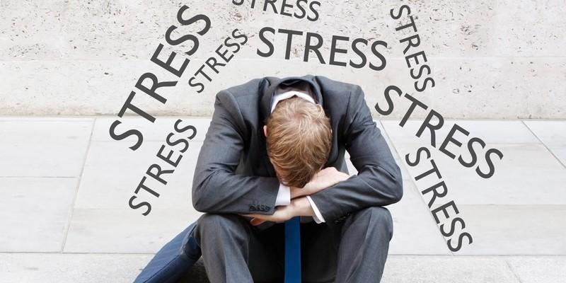 Почему болит голова когда долго спишь и что при этом делать
