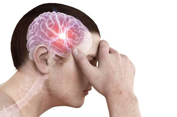 мозг с молнией