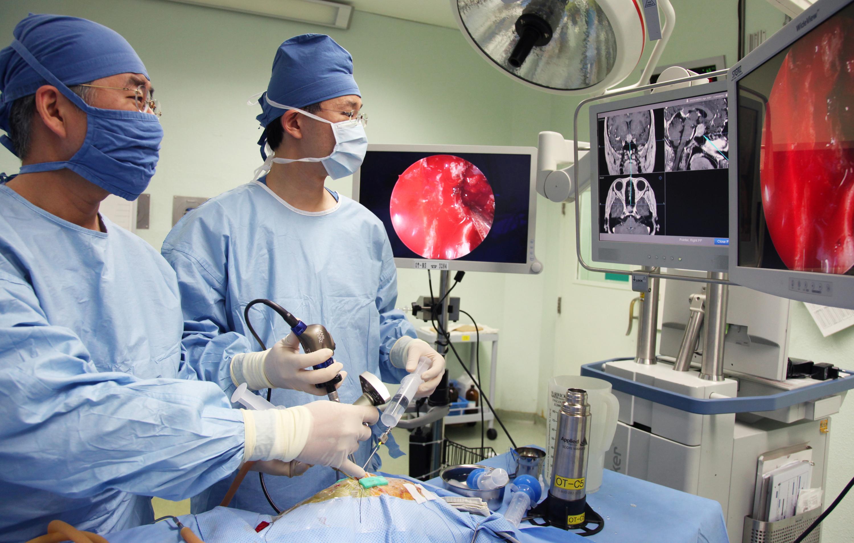 удаление опухоли головного мозга - операция