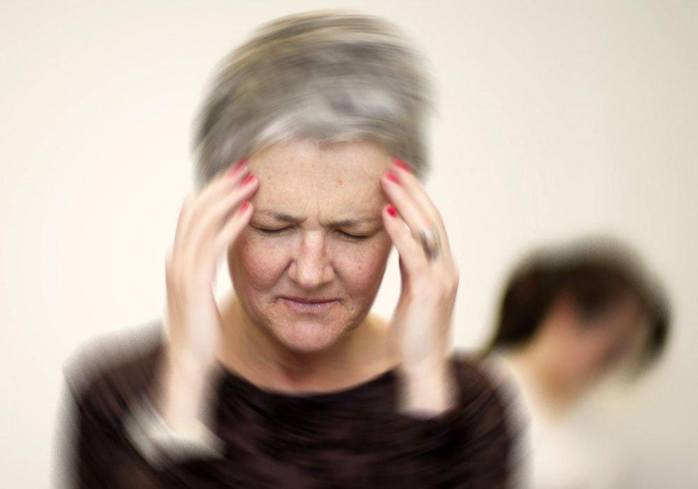 у женщины головная боль и головокружение