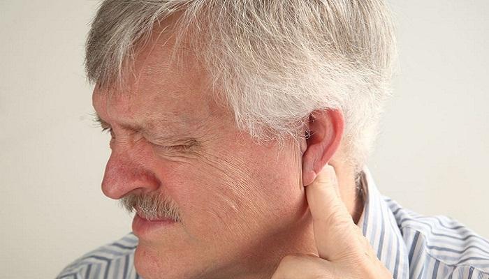 болит голова за ухом слева