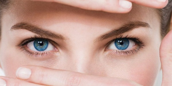 Девушка с глазами, расстройств вегетативной нервной системы